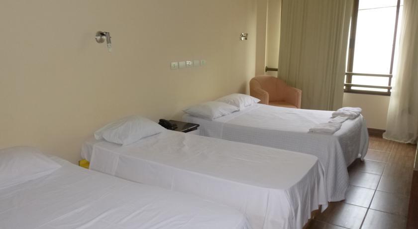Iguassu Holiday Hotel**